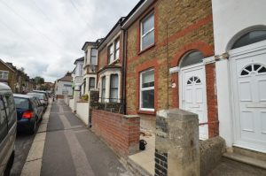 3 bedroom terraced house Bryant Road,Strood,Rochester,